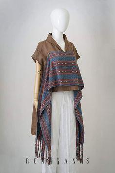 Batik Fashion, Fashion Sewing, Hijab Fashion, Fashion Outfits, Emo Outfits, Model Dress Batik, Batik Dress, Batik Kebaya, Blouse Batik Modern