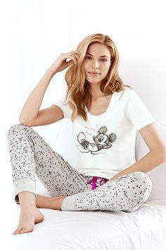 Pyžamo a Mickey Mouse