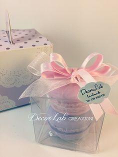 Scatolina Segnaposto in Pvc con 2 Soap Macarons   Colori personalizzabili  Dimensioni 6x6x6 cm