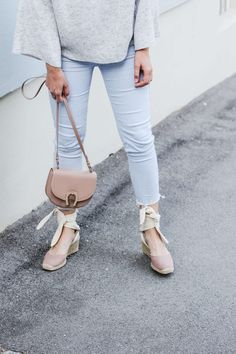 tifmys – Sweater, pants and espadrilles: Zara | Bag: Aigner Pina | Earrings: Jukserei