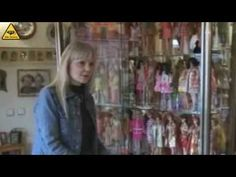 World's Biggest Barbie Fan Collects Dolls in 19 Years