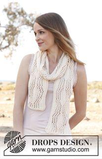 """Gebreide DROPS sjaal met kantpatroon van """"Big Merino"""". ~ DROPS Design"""