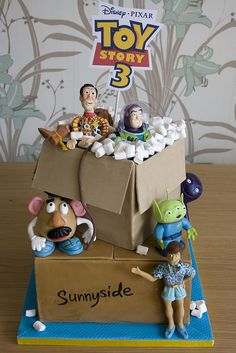 Toy Story 3 moving boxes cake