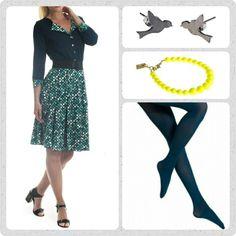Friday favourites ❤ Jeg ELSKER prikker, og retro, og farver for den skyld! Og denne Dixie kjole har det hele, desuden sidder den uhørt godt. Dixie kjolen har ikke brug for en masse lir, men du kan understrege taljen med et sort glimmer bælte, tilsætte et par lækre blå strømper fra Oroblu, og bare for kontrastens skyld et fint gult dots armbånd.  Se mere på www.Weiz.dk Ha' en fantastisk dag!