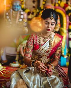 Beautiful South Indian Wedding Wear Idea :- AwesomeLifestyleFashion Different Culture have their own look and style and Kanjivaram and. South Indian Wedding Saree, Indian Bridal Sarees, Indian Wedding Wear, Indian Bridal Outfits, Indian Bridal Fashion, Saree Wedding, Punjabi Wedding, Indian Dresses, South Indian Bride Jewellery