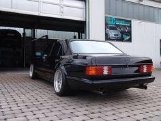 1983 S Class (W126)  rear view