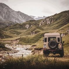 Good times in the alps. Just having a break by the river. Land Rover Defender 110, Defender 90, Defender Camper, Beautiful Places To Travel, Romantic Travel, Overseas Travel, Expedition Vehicle, Toyota Hilux, The Great Outdoors