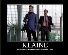Omg Klaine . And a Starkid reference ? Talk about supermegafoxyawesomehot