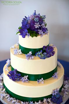Wedding Cakes - JCakes - Elegant gourmet cakes for all occasions. We are in North Branford, Connecticut.
