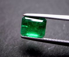 Emerald unset. #lifeinstyle #greenwithenvy