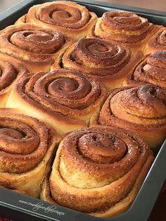 COMO HE PUESTO LA COCINA: CINNAMON ROLLS (Thermomix) Cinammon Rolls, Eat Dessert First, Sweet Treats, Deserts, Food And Drink, Sweets, Snacks, Chocolate, Breakfast