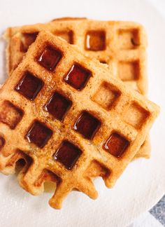 Light, crispy, fluffy, gluten-free waffles recipe that require only one flour—oat flour! cookieandkate.com