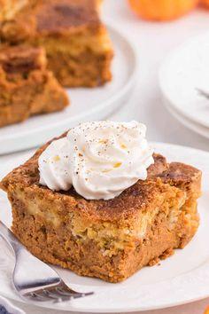 Pumpkin Dump Cake - Made with yellow cake mix! Easy to prepare and tastes as good as pumpkin pie. Dump Cake Recipes, Snack Recipes, Dessert Recipes, Dump Cakes, Bread Recipes, Snacks, Pumpkin Pie Cake, Pumpkin Dessert, Almond Joy Cupcakes