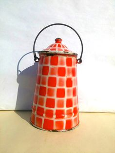 Beautiful enamel red checked pattern milk Pitcher / Antique French enamelware / Old enamel Pitcher / Cottage chic shabby Farmhouse Camapgne by BrocBalk on Etsy https://www.etsy.com/listing/280375280/beautiful-enamel-red-checked-pattern