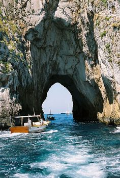 Capri. Italian summers by Lisa Photocredits unknown