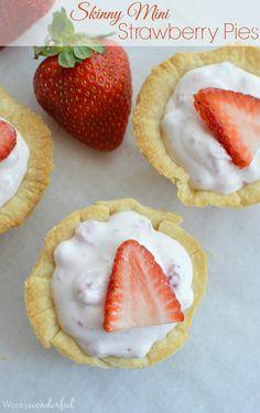 Skinny Mini Strawberry Pie Bites : Strawberry Cream Pie : Light Dessert Recipe #summer #dessert wonkywonderful.com