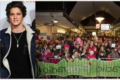 | THE VAMPS BRAD SIMPSON SWITCHES ON XMAS LIGHTS! | http://www.boybands.co.uk