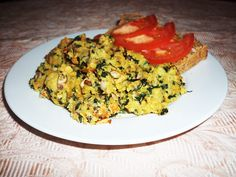 A delicious recipe made by scrambling chana flour and adding spinach and mushrooms. Eggs And Mushrooms, Spinach Stuffed Mushrooms, Chana Flour, Vinegar Uses, Green Eggs, Vegan Breakfast Recipes, Food To Make, Yummy Food, Uses Of Vinegar