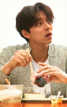 Gong Yoo / 공유 / Гон Ю ♡ Busan, Korean Actors, Asian Actors, Goblin Korean Drama, Goblin Gong Yoo, Yoo Gong, Yoo Ah In, K Wallpaper, Lee Dong Wook