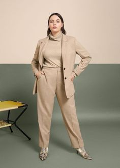 Structured textured blazer - Jackets Plus sizes Blazer Plus Size, Plus Size Suits, Big Size Fashion, Plus Size Fashion For Women, Curvy Outfits, Fashion Outfits, Normcore Fashion, Chubby Fashion, Minimalist Fashion Women