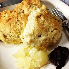 Scones with Sweetie (Orblanco) and Chocolate Cream.