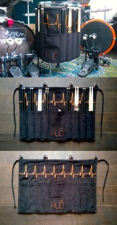 drumstick bag. hüb. Music Crafts, Music Decor, Diy Home Crafts, Hobbies And Crafts, Drum Accessories, Leather Accessories, Drum Stick Bag, Baguette, Bucket Drumming