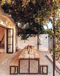 14 Gorgeous Pergola Designs to Make Your Outdoor Space Shine Outdoor Dining, Outdoor Spaces, Outdoor Decor, Outdoor Pergola, Backyard Patio, Backyard Landscaping, Future House, Pergola Designs, Home Deco