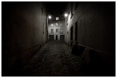 Cul de sac - night photography from photographer Richard Vantielcke - LudImaginary : www.ludimaginary.net/photograph-709.html