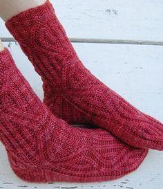 Носки с аранами спицами