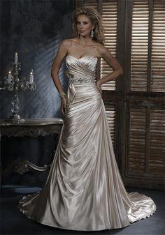 Maggie Sottero Scarlet | McElhinneys Bridal Rooms