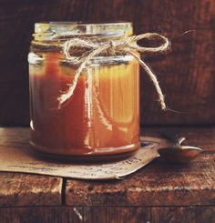 The best caramel recipe with fleur de sel - Moyiki Sites Cake Ingredients, Homemade Taco Seasoning, Homemade Tacos, Sauce Au Caramel, Delicious Desserts, Dessert Recipes, Whole Food Recipes, Cooking Recipes, Gastronomia
