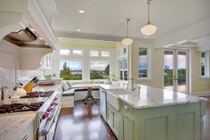 Kirkland Tanditional - traditional - kitchen - seattle - by RW Anderson Homes