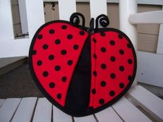 Items similar to Lady Bug Pot Holder on Etsy Quilted Potholders, Crochet Potholders, Sewing Hacks, Sewing Crafts, Quilting Projects, Sewing Projects, Costura Diy, Quilting Rulers, Quilted Table Runners
