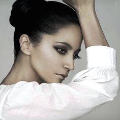 Pop Singers, Famous Women, Fashion, Moda, Celebrity Women, Fashion Styles, Fashion Illustrations