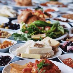"""""""That's how you start a gastrohunt in Turkey. This was just the breakfast"""" says our international influencer Ana Sampaio Barros. Turkish Recipes, Italian Recipes, Ethnic Recipes, Fish And Meat, Fish And Seafood, Turkey Today, Turkish Sweets, Turkish Breakfast, Fresh Fruits And Vegetables"""