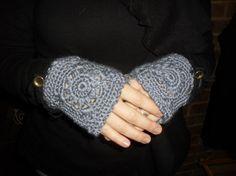 Texting Fingerless Gloves Gray  40 OFF SALE  2008FG by Pepperbelle, $15.00