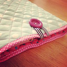 Sew yourself a quilted laptop case