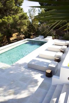 Pool Landscaping Ideas a Minimalist Swimming Pool on a Tiny Page? Check out ! Surely it would be very nice to have a swimming pool at home. Small Swimming Pools, Small Pools, Swimming Pools Backyard, Swimming Pool Designs, Backyard Pool Landscaping, Backyard Pool Designs, Small Backyard Pools, Outdoor Pool, Modern Landscaping