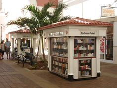 Outdoor Mall Cart  Carriage Works manufacture and designer of Food Carts, Tropical Carts, Kiosks, Coca Cola Carts, Amusment Parks Carts, Six Flags Carts, Sea World Carts, Legoland Carts, Vending Carts for Malls and Casinos.In buisness over 40 years!