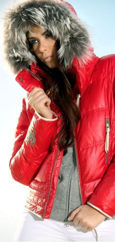 . Snow Fashion, Winter Fashion, Ski Bunnies, Go Skiing, Ski Wear, Apres Ski, Weekend Style, Designing Women, Blog