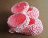 Handmade Wool Baby Booties Lavender size for babies by owlyknits