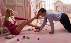 ¿No te parecen muy largas las piernas de Margot Robbie para medir 1,67 de estatura? Te desvelamos el secreto...