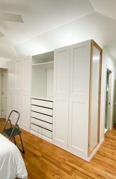 Ikea Built In Wardrobes, Ikea Wardrobe Hack, Ikea Pax Closet, Bedroom Built In Wardrobe, Bedroom Built Ins, Closet Hacks, Bedroom Closet Design, Ikea Bedroom, Master Closet