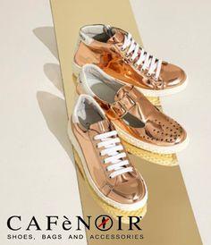 Sneakers #CAFeNOIR art.DD930 allacciate effetto specchio.  Vasto assortimento di scarpe, borse e sandali CAFé NOIR su www.tomacalzature.com