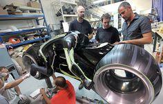 G1 - Veja como foram feitas as motos futuristas de 'Tron: legacy' - fotos em Pop & Arte
