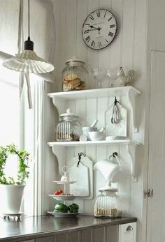 Great Shabby Chic Kitchen Ideas To Get You Started Cottage Kitchens, Farmhouse Kitchen Decor, Home Decor Kitchen, Country Kitchen, Kitchen Interior, Home Kitchens, Diy Home Decor, Room Decor, Cocina Shabby Chic