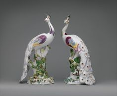 This peacock and its mate are among the most spectacular pieces of porcelain sculpture produced at the Chelsea factory. They are notable for their unusually large scale and the ambitiousness of their modelling Porcelain Dolls For Sale, Porcelain Jewelry, Porcelain Tiles, Fine Porcelain, Peacock Pictures, Peacock Pics, Peacock Colors, Peacock Feathers, Ceramic Birds