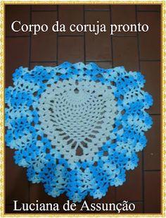 Joguinho de fogão de corujinhas,feito pela Lucia Lonel Pedro  tendo como base a mesma coruja do tapete só que feito com linha mais fina.  ... Owl Crochet Patterns, Crochet Motif, Crochet Designs, Crochet Hats, Pineapple Crochet, Crochet For Kids, Fall Decor, Macrame, Diy And Crafts