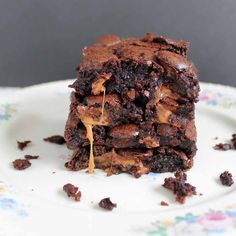 Rolo brownies recipe - the ultimate in chocolate dessert! #triplepfeature