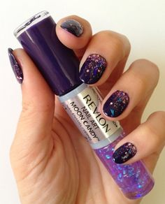 Glitter nails, I have this, I love it!